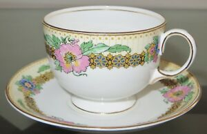 Elegant-AYNSLEY-England-Gold-Trim-Floral-Bone-China-Cup-and-Saucer-Set