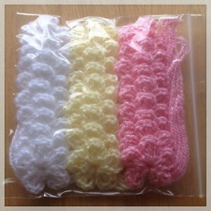 30-X-SMALL-CROCHET-FLOWERS-WHITE-PINK-YELLOW-COLOUR-SIZE-3-CM