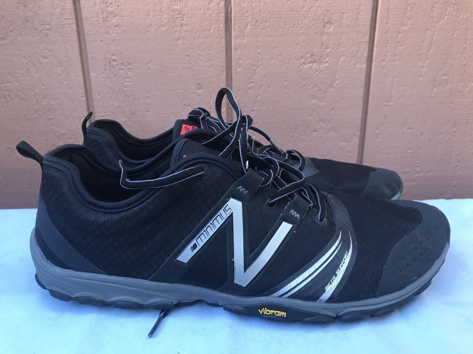 MINT Men's New Balance Minimus Series MT20BK2  Black Grey Trail Running US 13 D