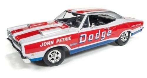 AUTOWORLD AW222 1969 DODGE CgoldNET SUPER BEE (JOHN PETRIE SS E) 1 18 DIECAST