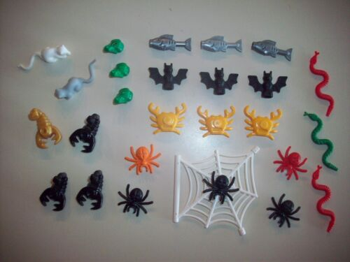 Lego Minifigure 27 Animal Lot ~ Frogs Bats Fish Spiders Rats Snakes Crabs