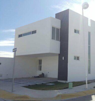 3. CASA RENTA ZONA PONIENTE EN FRACCIONAMIENTO CERRADO AGUASCLIENTES