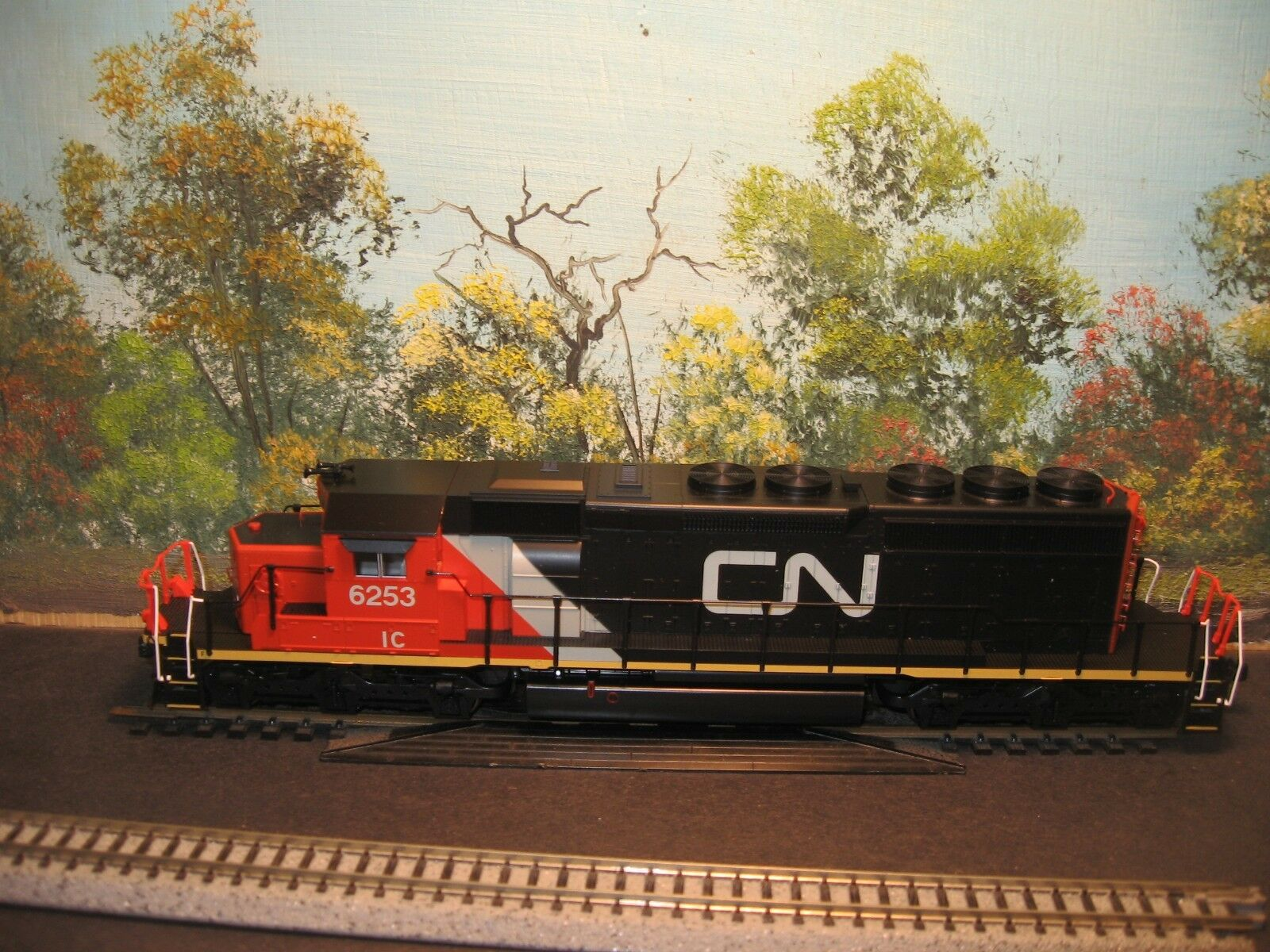 KATO HO SCALE  37-6603 SD40-2 MID CANADIAN NATIONAL  6253