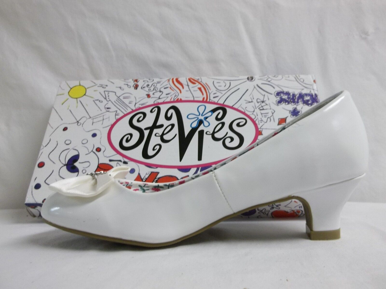 5cbc6fd63db Stevies by Steve Madden Size 5 M Lovely White PUMPS Girls Shoes