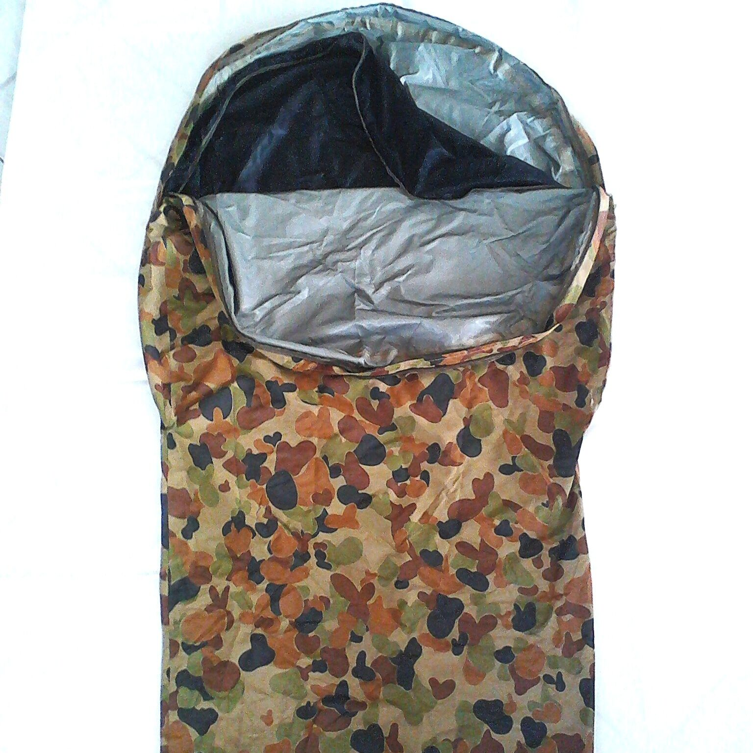 AUSTRALIAN MILITARY  BIVVY BAG LARGE AUSCAM - 232X107X82CM 3 LAYER BREATHABLE  best quality best price