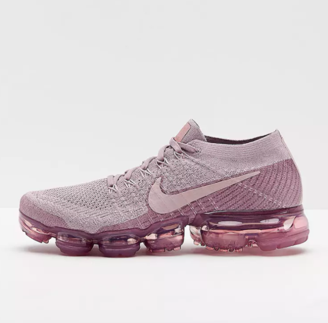 4621e962c153 Nike Air Vapormax Flyknit Purple Size 9.5 US Womens Athletic Running Shoes