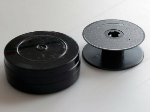 Standard 8mm Regular 8mm plastic Spool and Can for cine camera use.