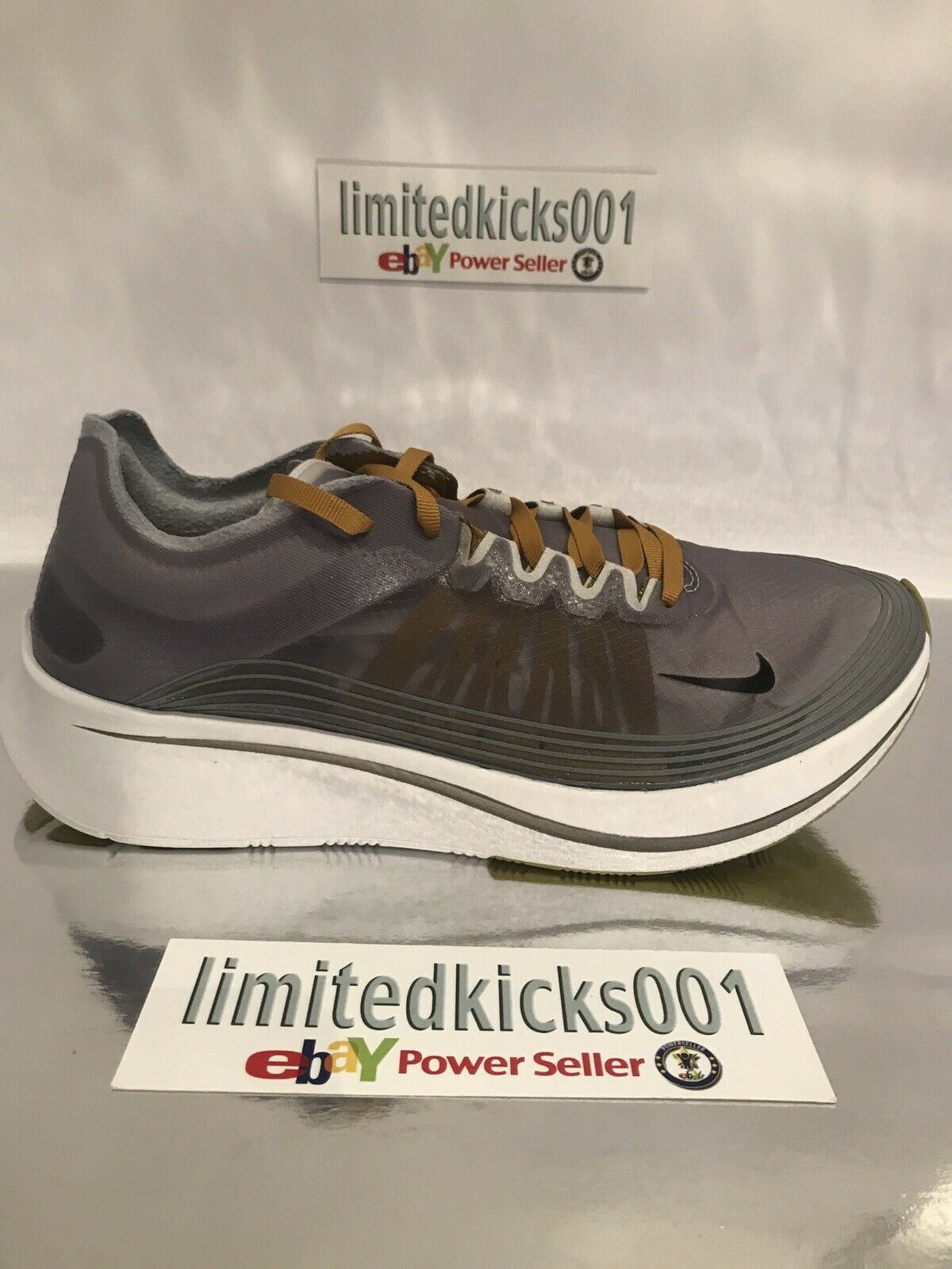 BNIB NIKE ZOOM FLY SP GREY WHITE GYM WOMENS RUNNING TRAINERS SHOES SZ 7.5