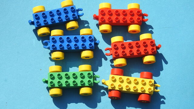 Lot of 5 Lego DUPLO Train Cars Vehicle Base 2x6 Red Chassis Yellow Wheels