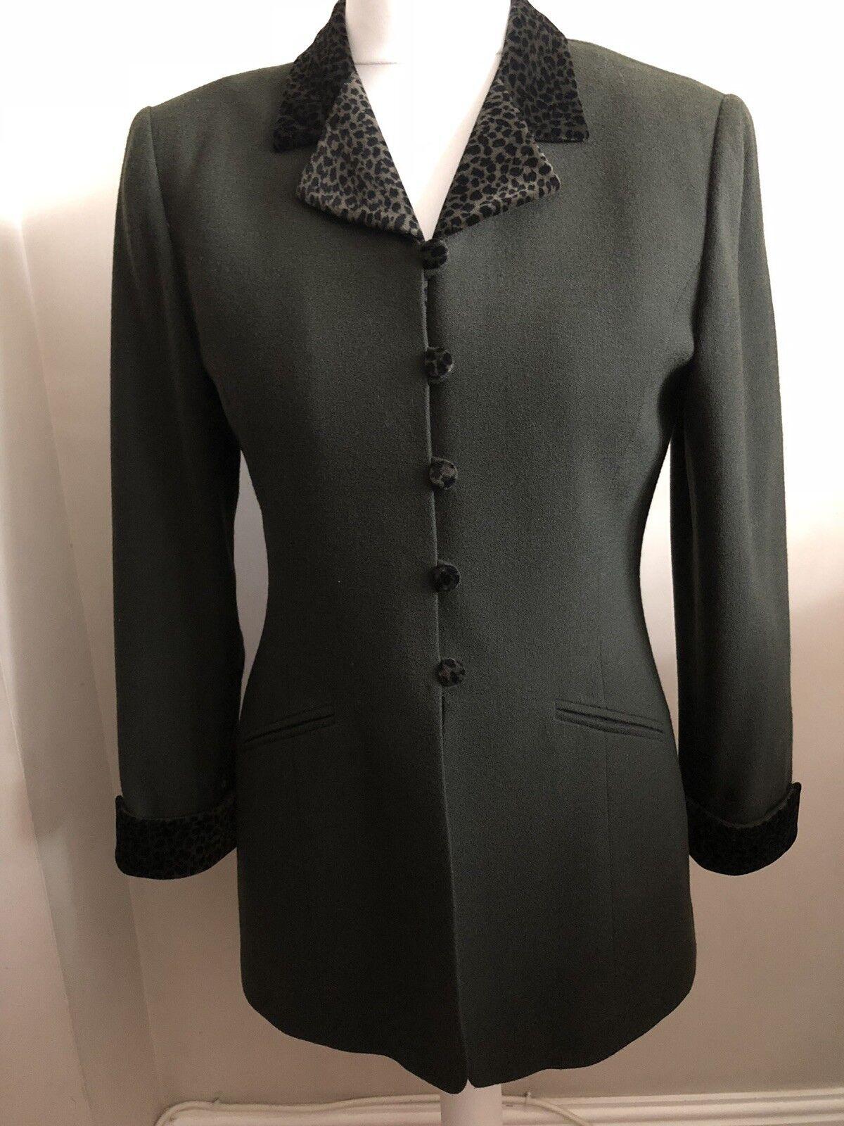 Kasper Ladies Suit Size 8, 100% Wool, Olive Green Leopard Print Collar & Cuffs