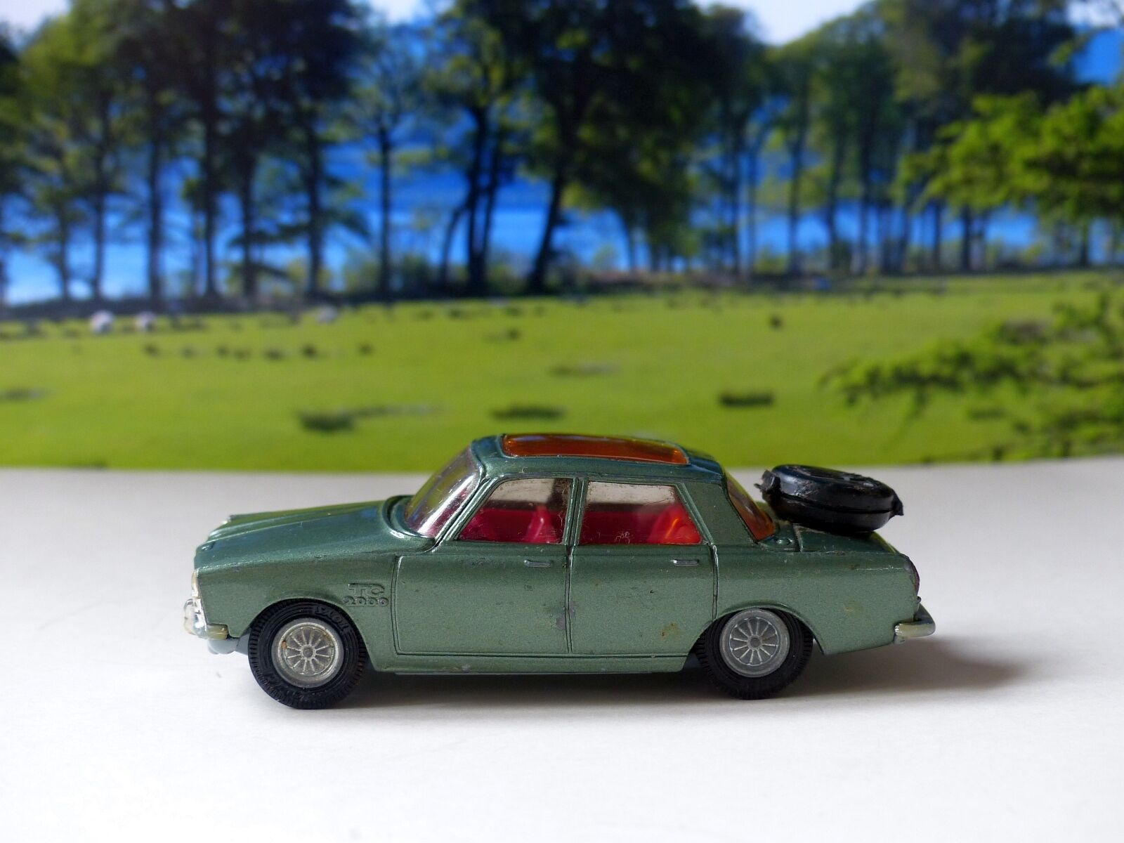 Corgi Toys 275 Rover 2000TC in green with red interior