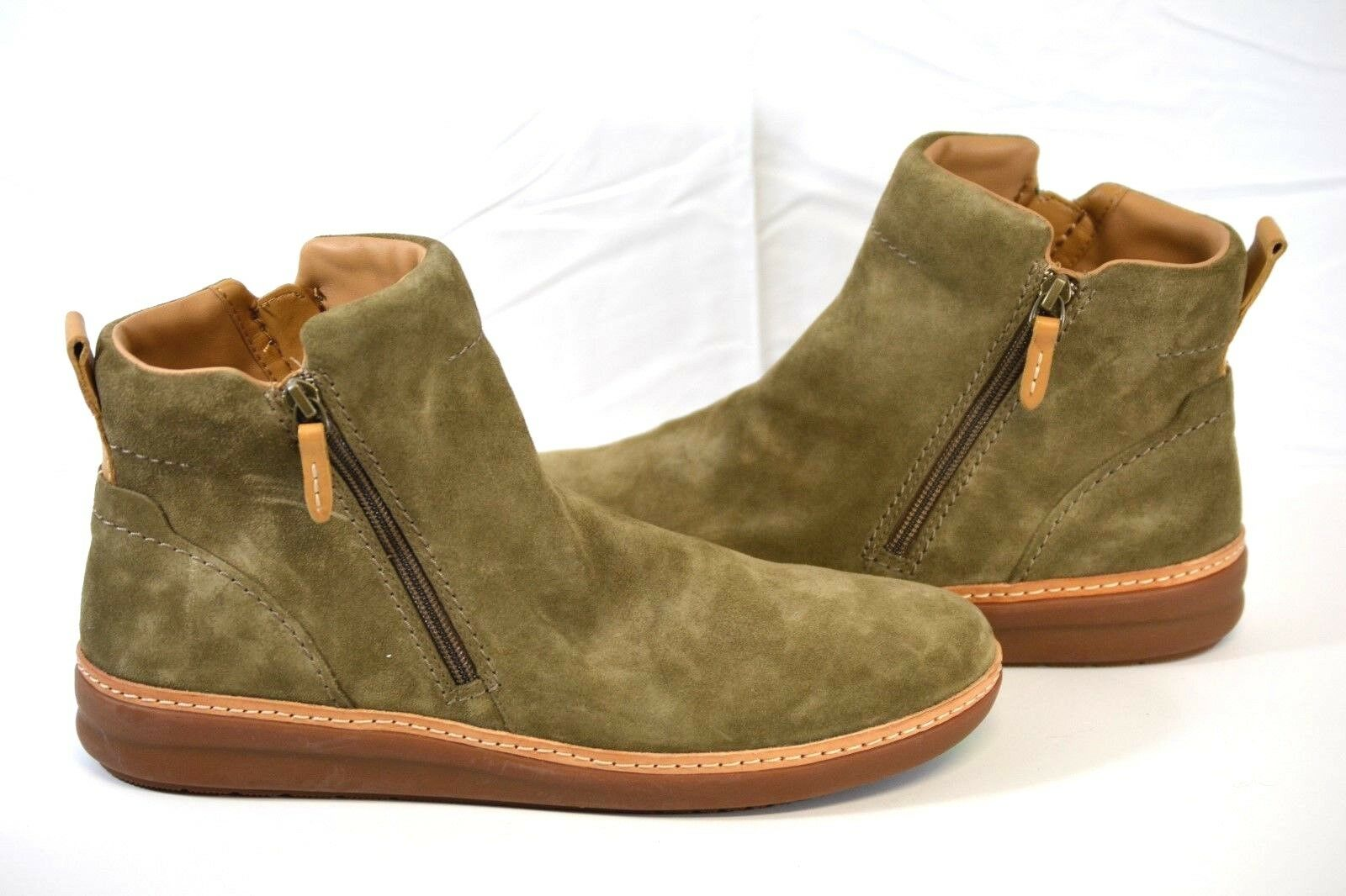 CLARKS Amberlee Rosi mujer Olive Suede Ankle botaies 12M US NEW