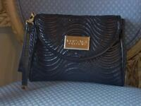 Nwot- Versace Parfumsblack Makeup Quilted Bag/case Beautiful