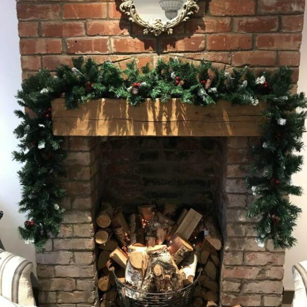 270cm x 25cm Snow King Fir Christmas Garland with Pine Cones XERUK