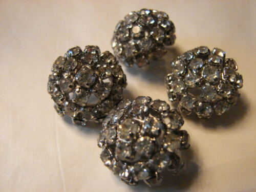 91 40 BOUTONS STRASS C22.