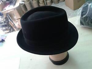 Caricamento dell immagine in corso cappello-UNISEX-CUBANO-NERO-FELTRO-art75- cerimonia-hat- 905a0371f7d5