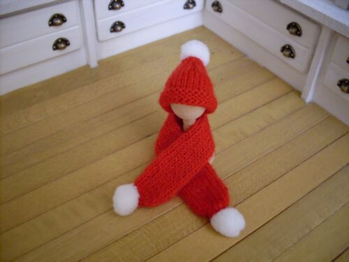 Miniature Hat /& Scarf Set ~ RED /& WHITE ~