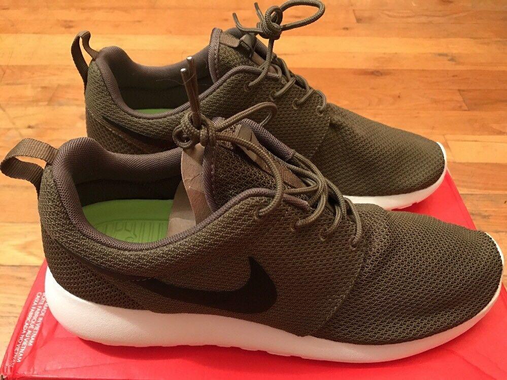 2012 Nike Roshe Run Iguana (Size 10) NEW 511881-201 Olive Green White ROSHERUN