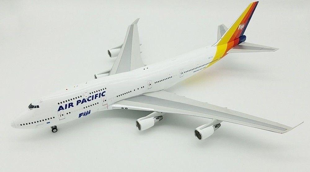 Jfox JF7474026 1/200 Air Pacific Boeing 747-400 DQ-fjl con Soporte