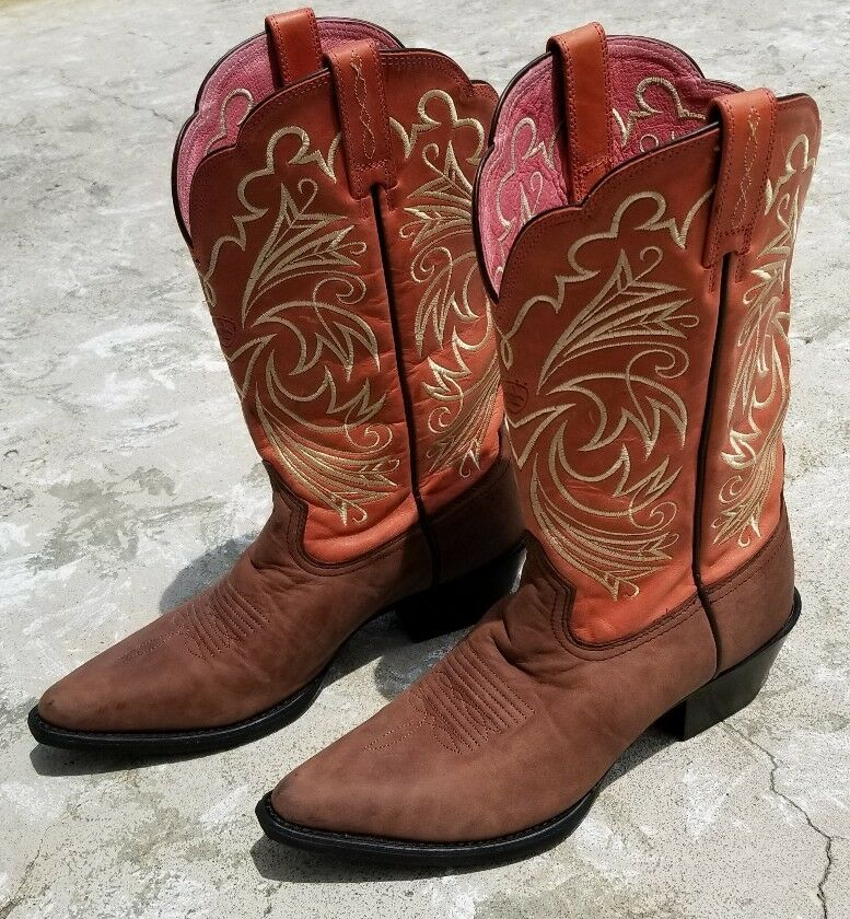 Donna ARIAT BOOTS SZ 7 M VERY NICE!!