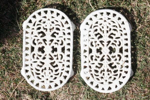 2 Dessous De Plats Fer Forgé Peint Blanc / Vintage Cast Iron Trivets Kitchenalia