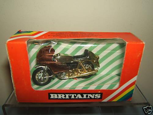 VINTAGE BRITAINS MODEL No.9654 gold MOTOR CYCLE    VN MIB