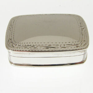 SOLID-SILVER-PILL-BOX-HALLMARKED-STERLING-925-SILVER-PILL-BOX-HAND-ENGRAVED