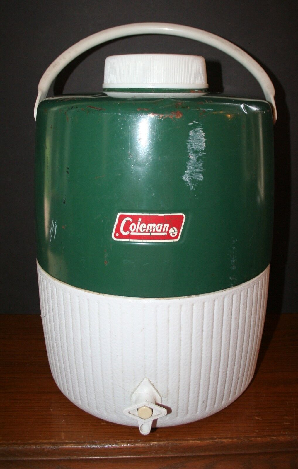 VTG COLEMAN Water  Jug Cooler Thermos Sports Cooler Green White 3 Gallon 5503B700  best service