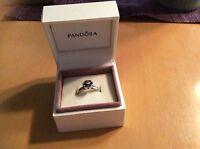 PANDORA Ring Blüte in 925/- Sterlingsilber mit 1 weißen Zirkonia, Größe 54