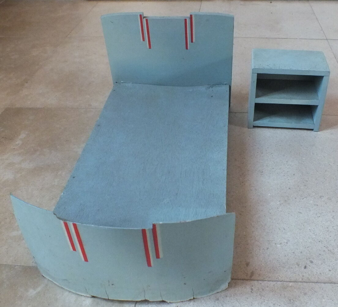 Bed doll + chevet commode doll bed