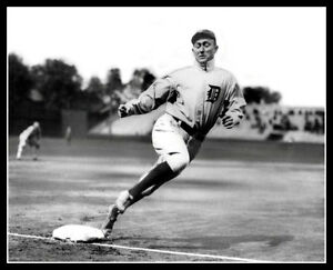 Ty-Cobb-2-Photo-8X10-Detroit-Tigers-Rounding-Third-Buy-Any-2-Get-1-FREE