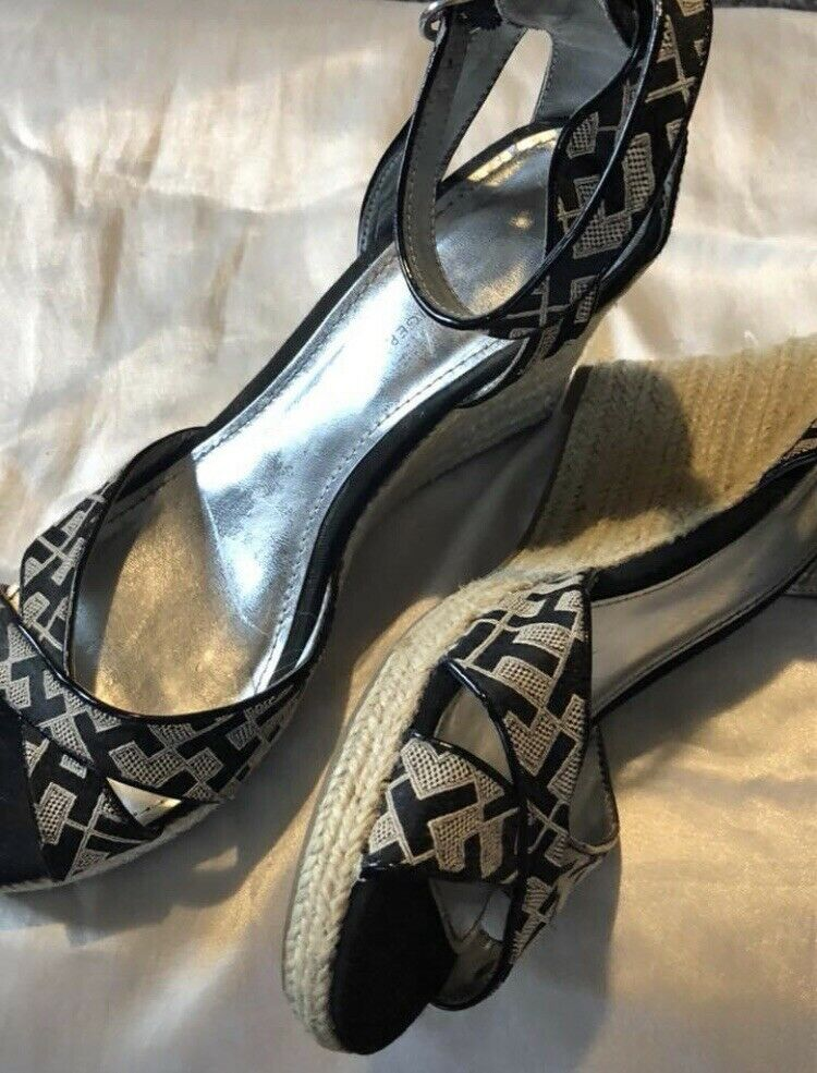 Tommy Hilfiger Tan Womens Size 9 open toe Wedges - image 2