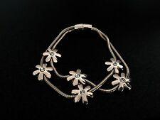 Sooooo bastante Rosa Oro moderna de doble enlaces Daisy Charm Bracelet cierre magnético