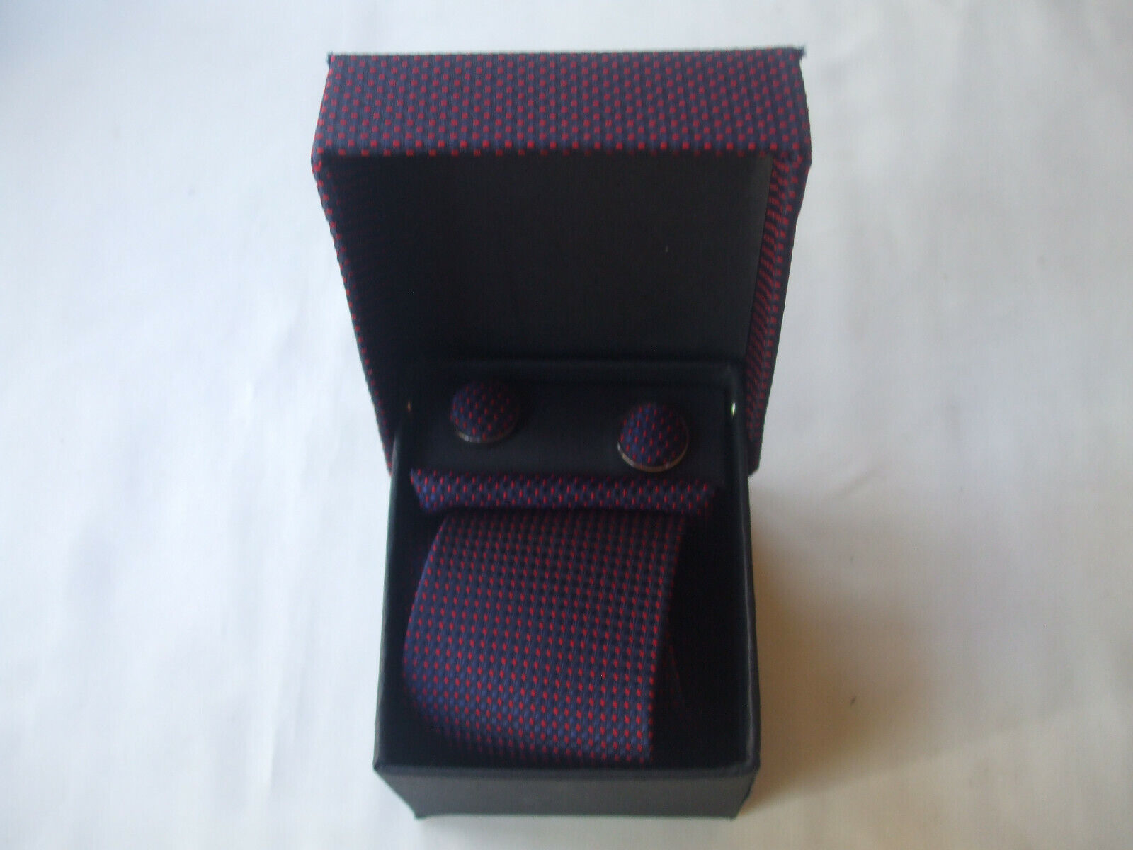 New For Fathers Day Boxed Tie, Cufflinks And Handkerchief Set Navy Red Dots New