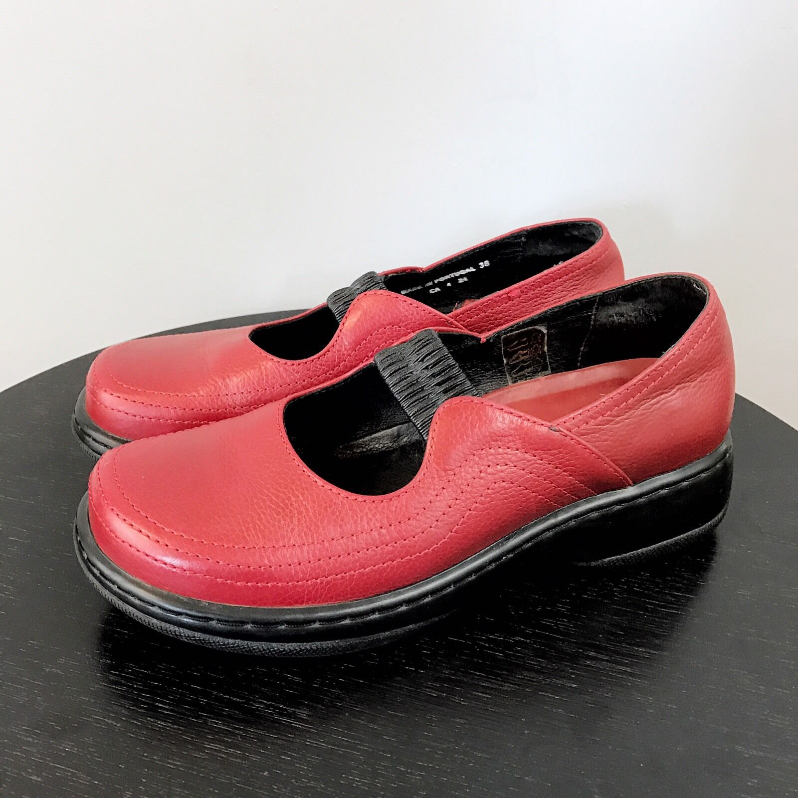 DANSKO Elle Mary Janes SZ 38 7 Leather Slip-On Style Casual Comfort Crimson