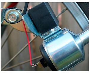 BICICLETTA-BIKE-RIDING-DYNAMO-GENERATOR-W-Holder-Caricabatterie-USB-per-CELLULARI-GPS
