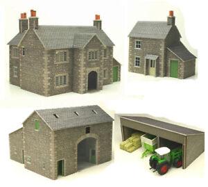 Metcalfe-Manor-Farm-Set-N-Gauge-Card-Kit-PN150