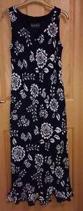 BNWOT-ALEX-amp-CO-Black-White-Floral-Design-Fully-Lined-V-Neck-Long-Dress-Size12