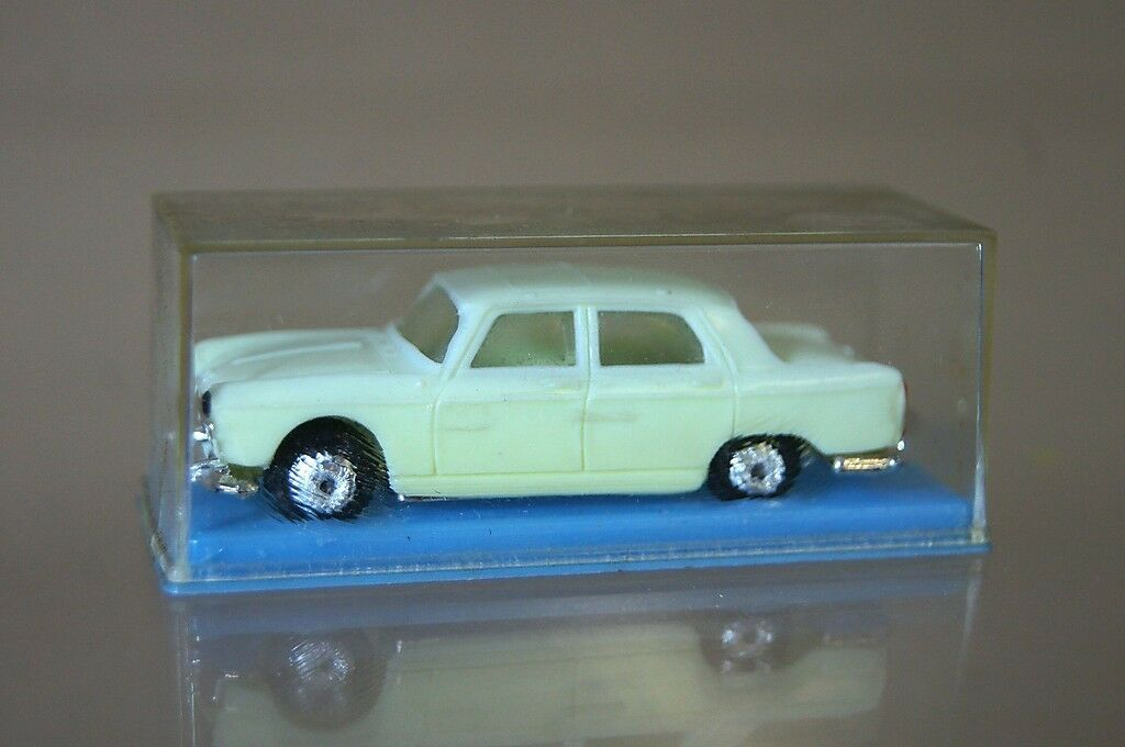 NOREV No 518 HO 1 86 SCALE PEUGEOT 404 SEDAN OFF WHITE  MINT BOXED my