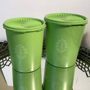 Tupperware Canisters & Lids Apple Lime Green Lot of 2 #807 & #809 MCM #DX