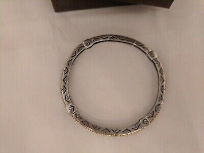 Arrowhead silver bangle