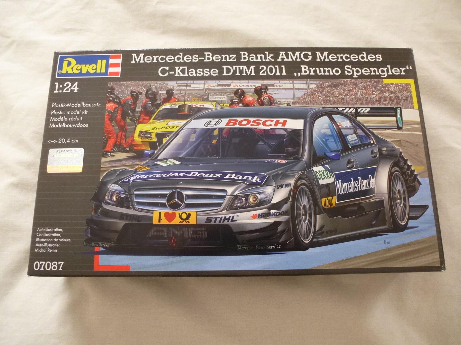 Revell 1 24 Mercedes-Benz Bank AMG Mercedes C-Klasse DTM 2011