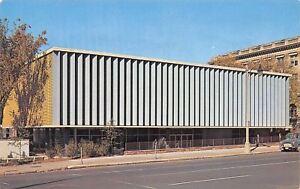 Memphis-Tennessee-Cossitt-Public-Library-1950s-Postcard