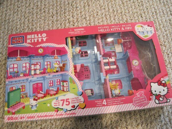Mega Bloks Hello Kitty Schoolhouse building set