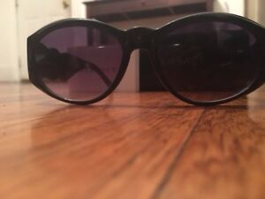 8cca79772fa Image is loading vintage-Gianni-Versace-Sunglasses-Mod-424-Col-852-
