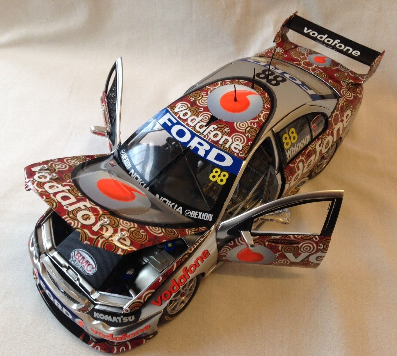 2008 JAMIE WHINCUP RED DUST DARWIN LIVERY VODAFONE 1 18 DIE CAST MODEL CAR