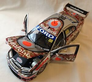 2008 JAMIE WHINCUP RED DUST DARWIN LIVERY VODAFONE 1:18 DIE CAST MODEL CAR