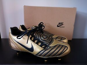 su La Iglesia comedia  BNIB Nike Total 90 Laser II Gold Black Football Boots - UK 6 | eBay