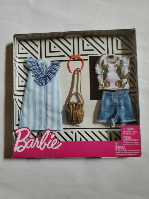 GHW74 1 Outfit and 2 Accessories Dolls Barbie Clothes 1