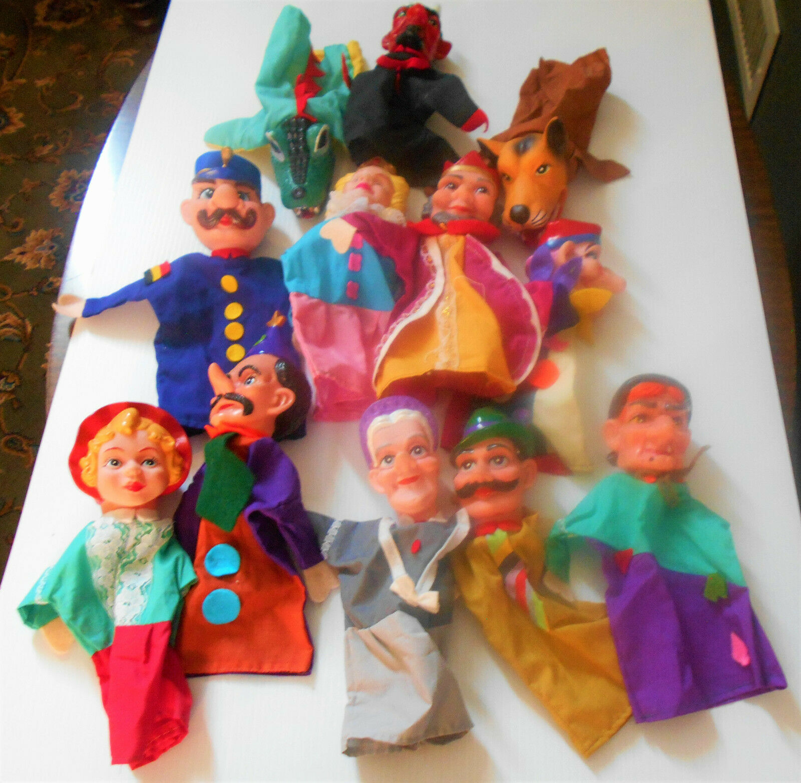 LOT of 12 1960's-70's Hand Puppets MISTER ROBERTS, King, Queen, Devil, Joker +++
